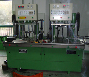Customer Use Site of 10T Cylinder-free Wax Injection Machine
